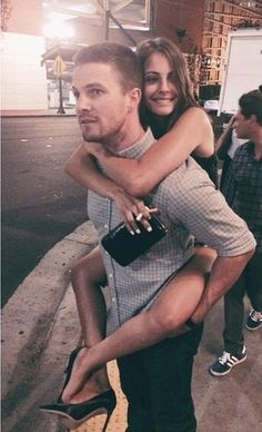 Immagine di willa holland, arrow, and stephen amell
