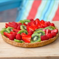 Classic fruit tart without eggs or dairy products