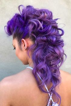 18 Cool And Daring Faux Hawk Hairstyles For Women Fohawk Hairstyle For Long Hair Faux Hawk Hairstyles, Trendy Hairstyles, Wedding Hairstyles, Black Hairstyles, Hairstyles Haircuts, Faux Hawk Updo, Curly Faux Hawk, Faux Mohawk, Mohawk Updo
