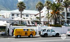 Camps Bay is Kaapstad op stand, met overdag zon, zee en strand en tegen de avond jazzbandjes, toprestaurants, wijnbarretjes en als de dag van datum verwisselt kan je terecht bij dj's in hippe dance clubs. http://www.myworldisyours.nl/places/kaapstad
