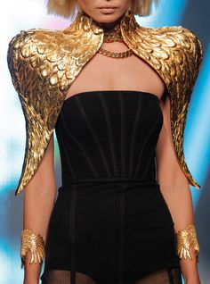 You could start making shoulder pieces to go over clothing - not this design but the idea . Shirley did one for the show in Orlando and it was amazing! Gold Fashion, Fashion 2020, Fashion Details, Unique Fashion, Timeless Fashion, Runway Fashion, High Fashion, Fashion Show, Womens Fashion