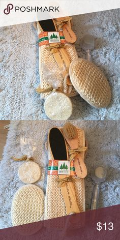 Bath scrub and exfoliating set. Brand new! Brand new bath and exfoliating set. Comes with new exfoliating clothes, a pumice stone, a foot scrub and two exfoliating brushes. Other