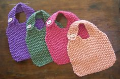 Cute, really simple baby bib pattern...maybe for Lori's shower gift?