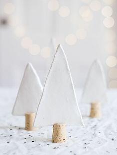 Une décoration si jolie pour la table de Noël par Seventy Nine Ideas.                                                                                                                                                                                 Plus
