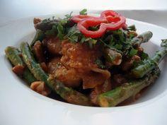LCHF-bloggen: Kylling i peanøtt- og kokossaus med lime Vann i munnen!! Lchf, Indian Food Recipes, Ethnic Recipes, Mexican, Asian, Meat, Chicken, Dinner, Fruit