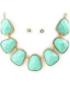 love how this mint colour can make any outfit pop. with a cute white tank + cropped blue jeans + low-cut converse. Fashion Jewelry Necklaces, Fashion Earrings, Jewelry Box, Jewelery, Jewelry Accessories, Mint Necklace, Necklace Set, Azul Tiffany, Ring Bracelet