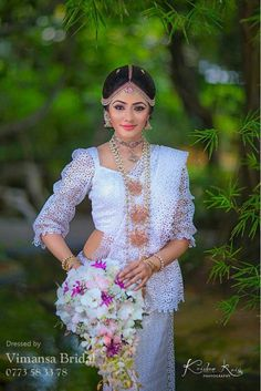 Sari Wedding Dresses, Bridal Sari, Indian Wedding Outfits, Saree Wedding, Wedding Wear, Wedding Bride, Bridal Dresses, Desi Bride, Asian Bride