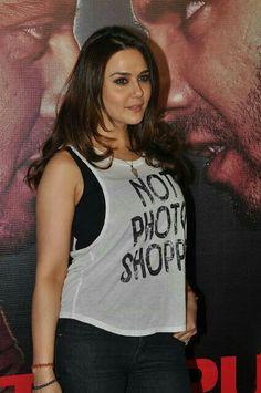 Actress Anushka, Bollywood Actress, Most Beautiful Indian Actress, Beautiful Actresses, Hottest Models, Hottest Photos, Pretty Zinta, Indian Bollywood, Bollywood Stars
