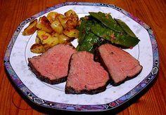 Roastbeef (Niedertemperatur, rückwärts-gebraten) mit Rosmarin-Kartoffeln und Zuckerschoten - Rezept