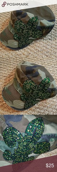 Camo Fleur-de-lis hat Camo Fleur-de-lis hat New Accessories Hats