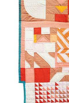 quilting and binding details Lorena Marañon Patch Quilt, Quilt Blocks, Monochromatic Quilt, Quilting Designs, Quilt Design, Machine Quilting, Baby Quilts, Textile Art, Tejidos