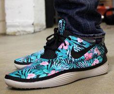 9b17ddae87b331 NIKE SOLARSOFT MOCCASIN FLORAL  sneaker Nike Kicks