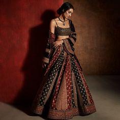 6 reasons to pick up the new issue of Khush Wedding Magazine Indian Wedding Gowns, Indian Bridal Fashion, Pakistani Bridal Wear, Wedding Mandap, Wedding Stage, Wedding Updo, Wedding Receptions, Bridal Lehenga, Dress Indian Style