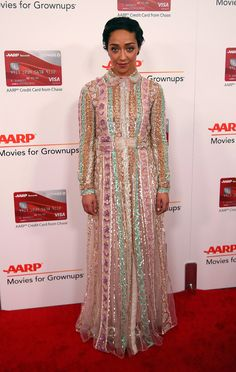 Ruth Negga en robe Valentino de la collection printemps-été 2017 aux AARP's Movies for Grownups Awards à Beverly Hills