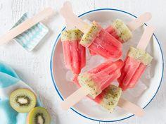 Met watermeloen, kiwi's en limoen maak jij dit gezond en lekker tussendoortje. Leuk om na de eerste schooldagen weer even de warme zomerdage...
