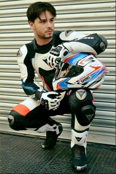 Komplette Outfits, Sport Outfits, Motocross, Bike Leathers, Mens Leather Pants, Motorcycle Suit, Biker Boys, Biker Gear, Bike Rider