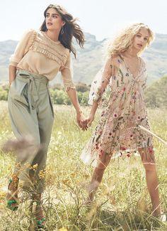 H&M presenta Spring Fashion, una colección de la que brotan vestidos de flores, blusas beige, faldas verdes y vestidos de lunares.