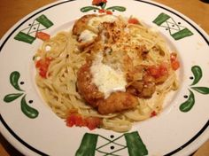Had this for the first time this weekend - hoping this recipe is as good as the real thing _ Copycat Olive Garden Parmesan Crusted Chicken. Photo by Nha eddy Olive Garden Recipes, Chicken Parmigiana, Parmesan Crusted Chicken, Baked Chicken, Olive Gardens, Restaurant Recipes, Copycat Recipes, Pasta Dishes, Italian Recipes