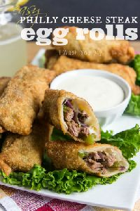 Philly Cheese Steak Egg Rolls by I Wash You Dry. These Philly Cheese Steak Egg Rolls are filled with a delicious beef, pepper and onion mixture and served with a creamy horseradish sauce that will knock your socks off! Paninis, Calzone, Enchiladas, Beef Recipes, Cooking Recipes, Beef Meals, Family Recipes, Easy Recipes, Healthy Recipes