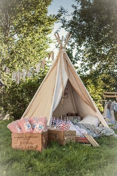 Set up a cute teepee/fairy tent at the wedding for children to play in or for photo booth. Perfect for a wedding in garden party style / backyard. Romantic Picnics, Wedding With Kids, Wedding Ideas, Wedding Inspiration, Kids Corner, Cozy Corner, Summer Garden, Wedding Decorations, Party Decoration