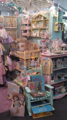 vintage treats booth 203 The Brass Armadillo OMAHA baby pinks and blues