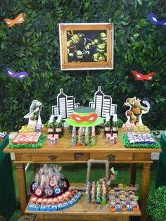 Locação, decoração e guloseimas personalizadas Tartarugas Ninjas. Consulte!