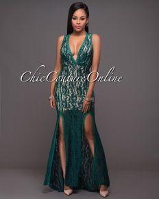 Daring back maxi padded dress