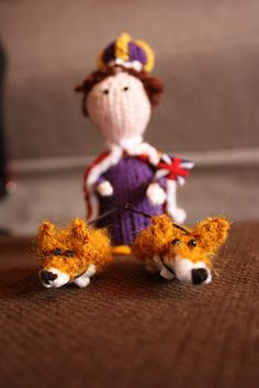 The Queen with her corgis. | The 25 Most British Things That Have Ever Been Knitted