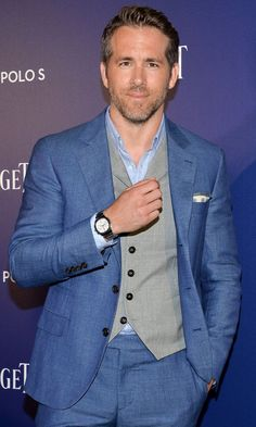Pin for Later: Ryan Reynolds Teams Up With Michael B. Jordan to Smoulder the Hell Out of This Red Carpet