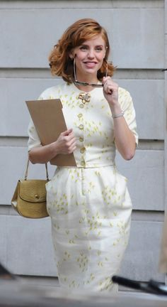 Kelli Garner as Kate Cameron in Pan Am