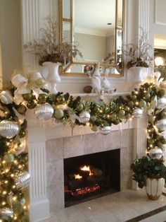 49 Festive Christmas Mantel Decorating Ideas Trending Right Now - Hd-ecor Christmas Fireplace, Christmas Mantels, Noel Christmas, Christmas Balls, Fireplace Mantel, Fireplace Garland, Fireplace Modern, Christmas 2019, Christmas Ornaments