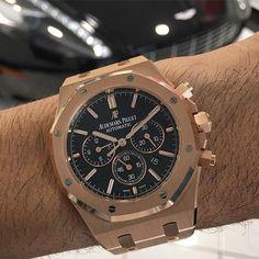 #mulpix Audemars Piguet Royal Oak chrono full rose gold on bracelet with black dial (ref.26320OR.OO.1220OR.01) x Aston Martin Rapide