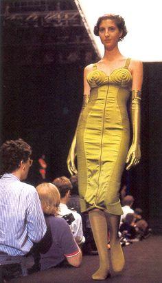 1987 - Jean Paul Gaultier show 1987 Fashion, Vogue Fashion, High Fashion, Jean Paul Gaultier, Victorian Fashion, Vintage Fashion, Fashion Through The Decades, Vintage Couture, Modern Outfits