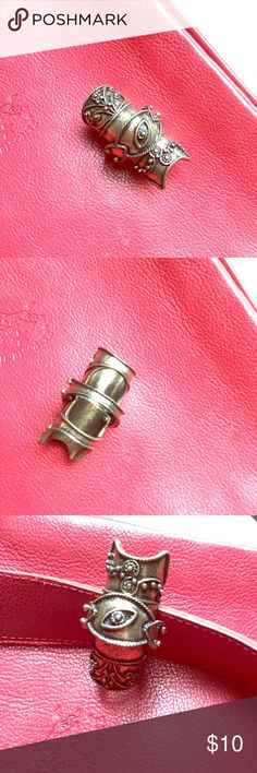 ARMOR  DETAILS FILIGREE RING 💍 NWOT. Unworn. Armor filigree ring in anitique gold color. Size Small (4-5). Fashionable and edgy looking. Great for those who loves unique fashion. Great with distress jeans, knee high boots and leather jacket. Thanks for shopping ❤️🌹 Pilgrim Jewelry Rings