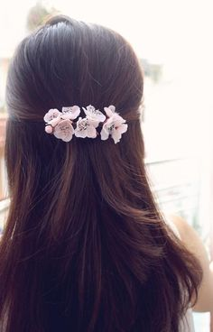 Items similar to Sakura Barrette, cherry blossom hair clip, hair accessories on Etsy Engagement Hairstyles, Indian Wedding Hairstyles, Bridal Hair Buns, Bridal Hairdo, Long Hair Wedding Styles, Short Hair Styles, Messy Short Hair, Diy Hair Accessories, Floral Hair