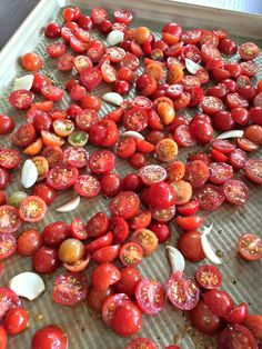What To Do With All Those Cherry Tomatoes? A gardener I am not. We have two small container gardens off our deck in our backyard, and while I'm eager and excited in the late spring when we plant, by August I get frustrated with weedin… Freezing Cherry Tomatoes, Canning Cherry Tomatoes, Roasted Grape Tomatoes, Canned Cherries, Pickled Cherry Tomatoes Recipe, Freezing Cherries, Sun Dried Tomatoes, Pickled Tomatoes, Cherry Tomato Sauce