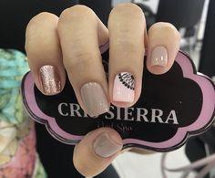Nail Arts, Nail Art Designs, Tattoos, Nails, Beauty, Pretty Nails, Classy Gel Nails, Finger Nails, Tatuajes