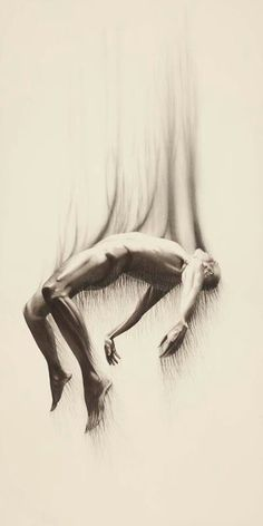 Art by Javier Perez. I know this is not photography but it is art. Pencil Art, Pencil Drawings, Art Drawings, Charcoal Drawings, Oeuvre D'art, Figure Drawing, Body Drawing, Dark Art, Art Inspo