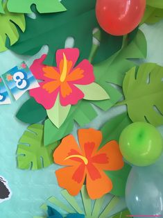 The video consists of 23 Christmas craft ideas. Moana Birthday Party, Moana Party, 4th Birthday Parties, Hawaiian Luau Party, Tropical Party, Decoration Creche, Tiki Party, Diy Birthday Decorations, Jungle Party