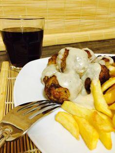 IKEA után szabadon: svéd húsgolyók barnamártáss – Kiss'n'Chips Ikea, Pancakes, Chips, Breakfast, Food, Morning Coffee, Ikea Co, Potato Chip, Essen