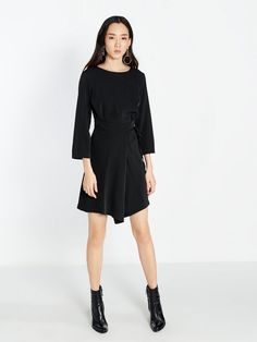 Exclusive Edgy Black Dress https://www.pomelofashion.com/id/dresses/14035-iris-long-sleeve-wrap-dress.html