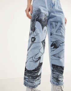 """Jeans Balloon Fit """"Mickey gets arty"""" - Jeans - Bershka España Painted Jeans, Painted Clothes, Hand Painted, Custom Clothes, Diy Clothes, Bershka Collection, Paint Shirts, Denim Art, Calvin Klein Underwear"""
