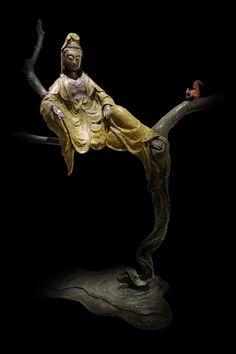 子問老師作品--- 作品名稱:妙語自在 實際尺寸:L53*W20*H68 創作理念: 妙法自然; 輕安自在; 空中妙有。 Nirvana Buddhism, Japanese Buddhism, Mahayana Buddhism, Rare Animals, Guanyin, Religious Icons, Buddhist Art, Art Studies, Chinese Art
