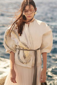 Beauty Editorial, Editorial Fashion, Fashion Art, Fashion Trends, Editorial Photography, Fashion Photography, Magazine Editorial, Hair Makeup, Kimono Top
