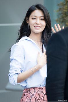 AOA - Seolhyun Seolhyun, Beautiful Girl Photo, Beautiful Asian Girls, Kpop Girl Groups, Kpop Girls, Kim Seol Hyun, Beautiful Goddess, Asian Celebrities, Photos