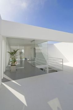 Sculptural Dream Vacation Home by RRMR Arquitectos in Asia District of Limas  [ Read More at www.homesthetics.net/sculptural-dream-vacation-home-rrmr-arquitectos-asia-district-limas/ © Homesthetics - Inspiring ideas for your home.]