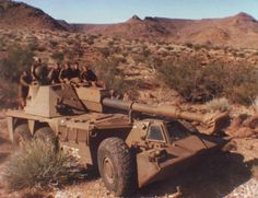 """South Africa Self-Propelled Howitzer-Vehicle - built """"Rhino"""", the African Long Range Brawler The"""