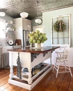 Looking forward to a relaxing weekend! I think a trip to the farmers market and my favorite antique store is in order! I'm still…