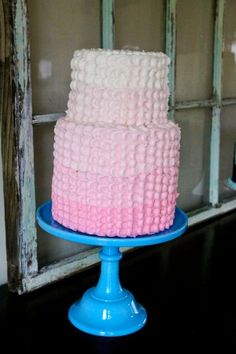 Delicate pink ombré cake by Jennycookies.com