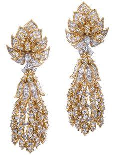 #Luxury#Harry WINSTON Diamond Gold Dangle Earrings- Designed By Shinde@Luxurydotcom:
